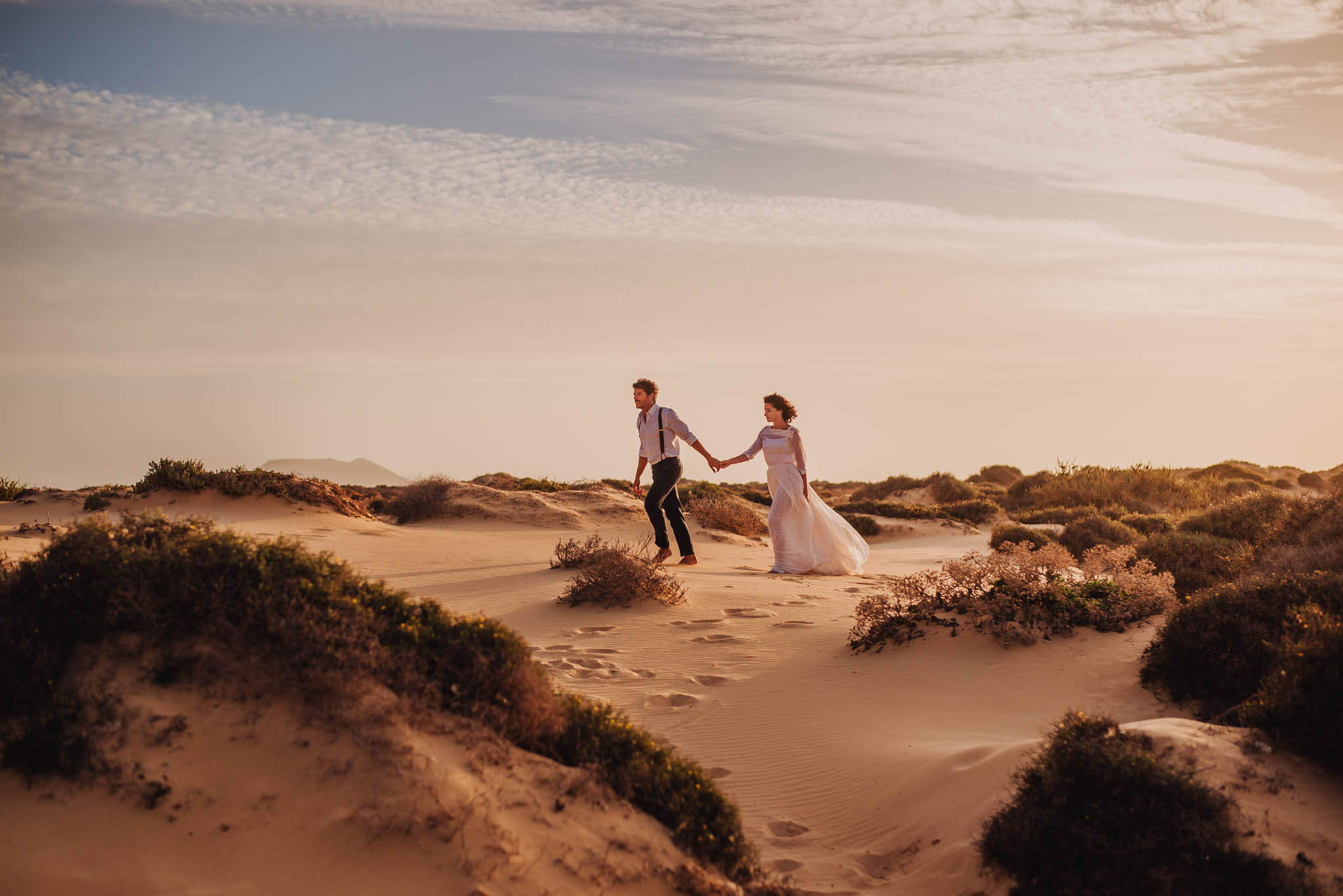 Wedding photography elopement at the beach