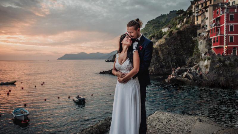 intimate wedding in Cinque Terre captured by destination wedding photographer Italy
